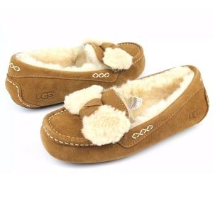 UGG ANSLEY FUR BOW MOCCASINS- CHE 6